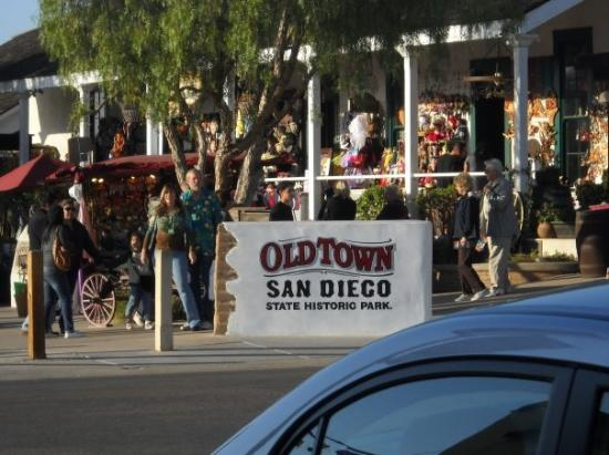 old-town-trolley-tours