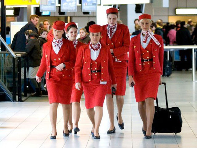 stewardesses_from_all_over_the_world_640_12