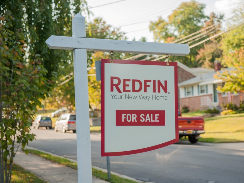 Redfin property photos; 511 Park Rd, Rockville, MD 20850, Friday-Saturday, October 4-5, 2013.